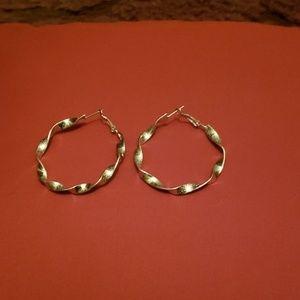 Large silver hoop earings